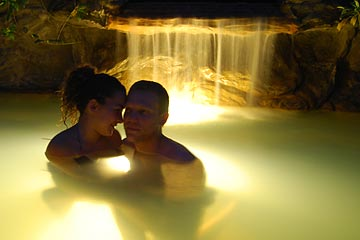 Luxury Honeymoon in the Arenal Volcano